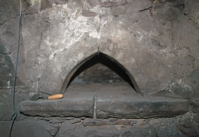 Detail of the bread oven inside the fireplace